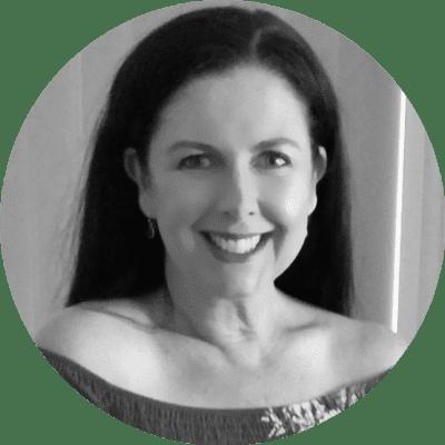 Carole Mott's Headshot